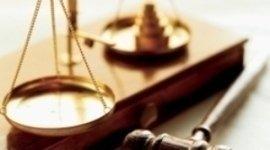 contrattualistica aziendale, consulenza legale per la proprietà  industriale, scissioni societarie, ricorsi amministrativi