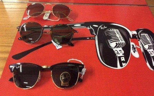 Quattro occhiali da sole de marchio