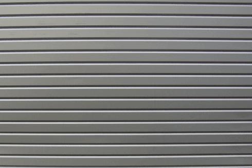 Esempio di saracinesca cieca in acciaio ideale per garage.