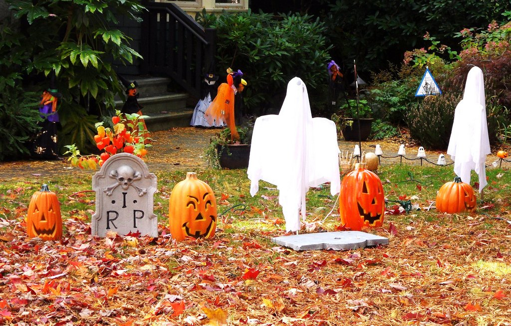 lawn care, halloween, decorations,
