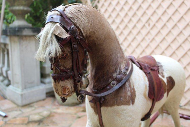 galerie-bosetti-antiquites, cheval à bascule, profil tête