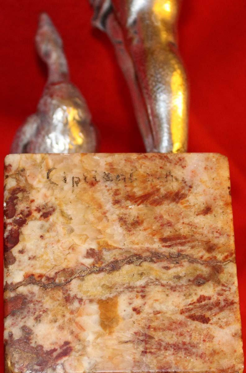 galerie-bosetti-antiquites, sculpture bronze argente CIPRIANI, marque sur socle