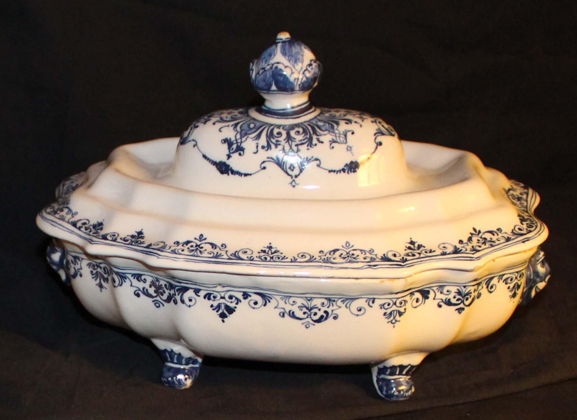 galerie-bosetti-antiquites Moustiers 18ème légumier camaïeu bleu