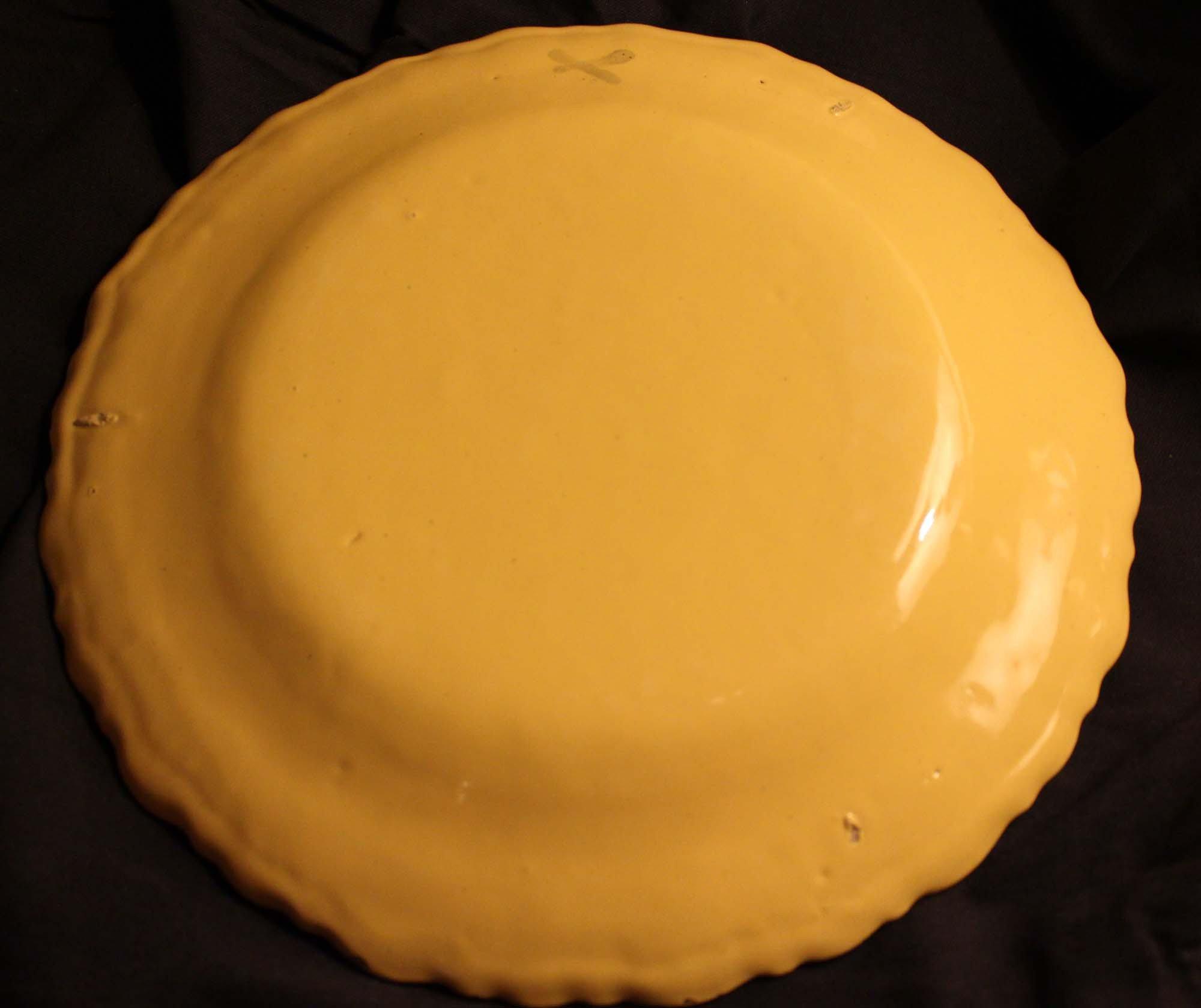 galerie Bosetti antiquités moustiers 18ème décor jaune floral verso assiette