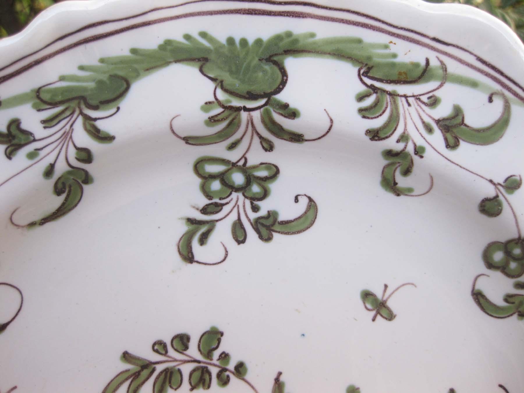 galeris-bosetti-antiquites,Moustiers camaIeu vert, bord et aile