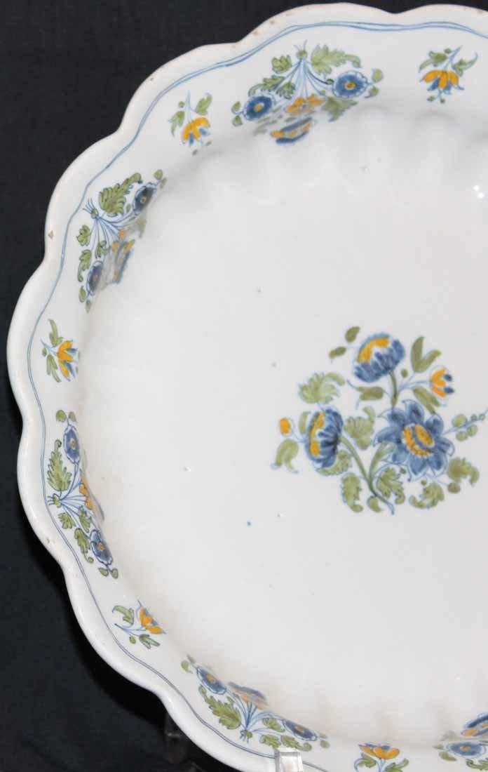 galerie-bosetti-antiquites.com MOUSTIERS détail floral