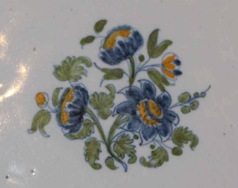 galerie-bosetti-antiquites.com MOUSTIERS bouquet central
