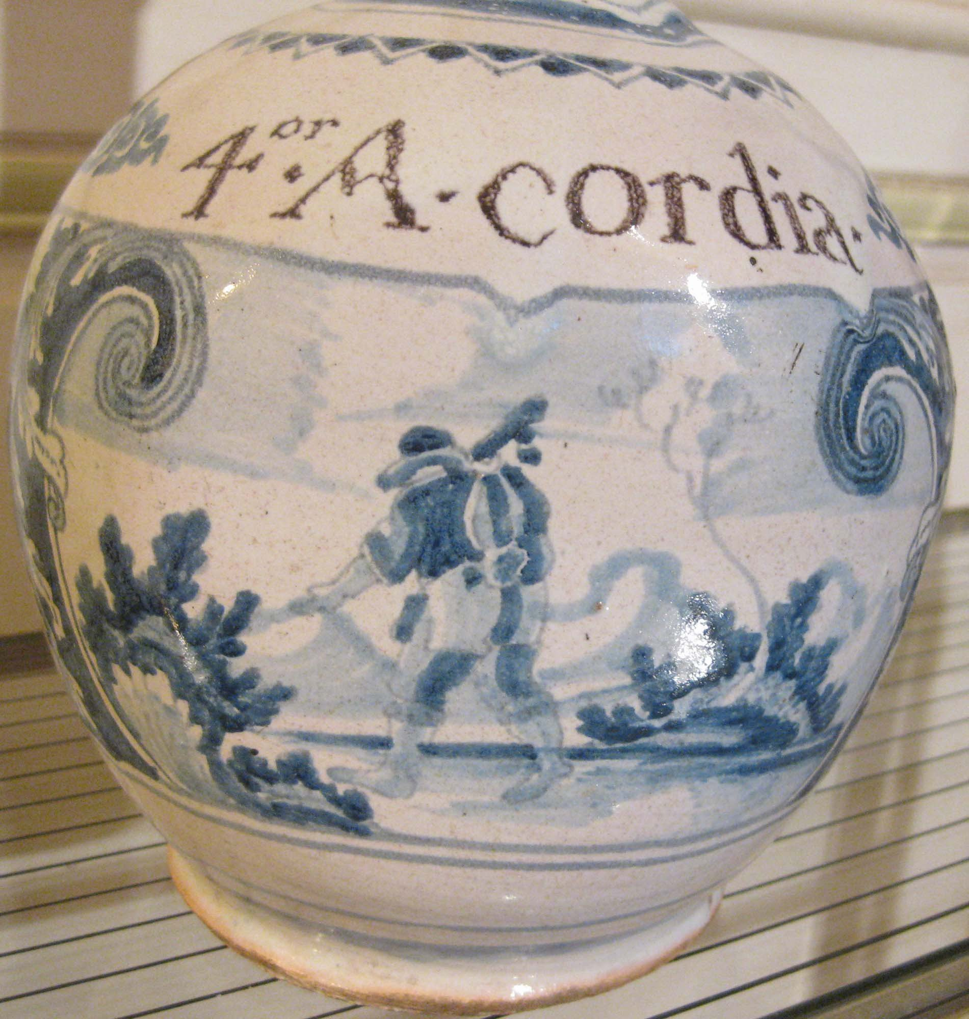 galerie-bosetti-antiquites Nevers 17ème gourde inscription 4.A.CORDIA.