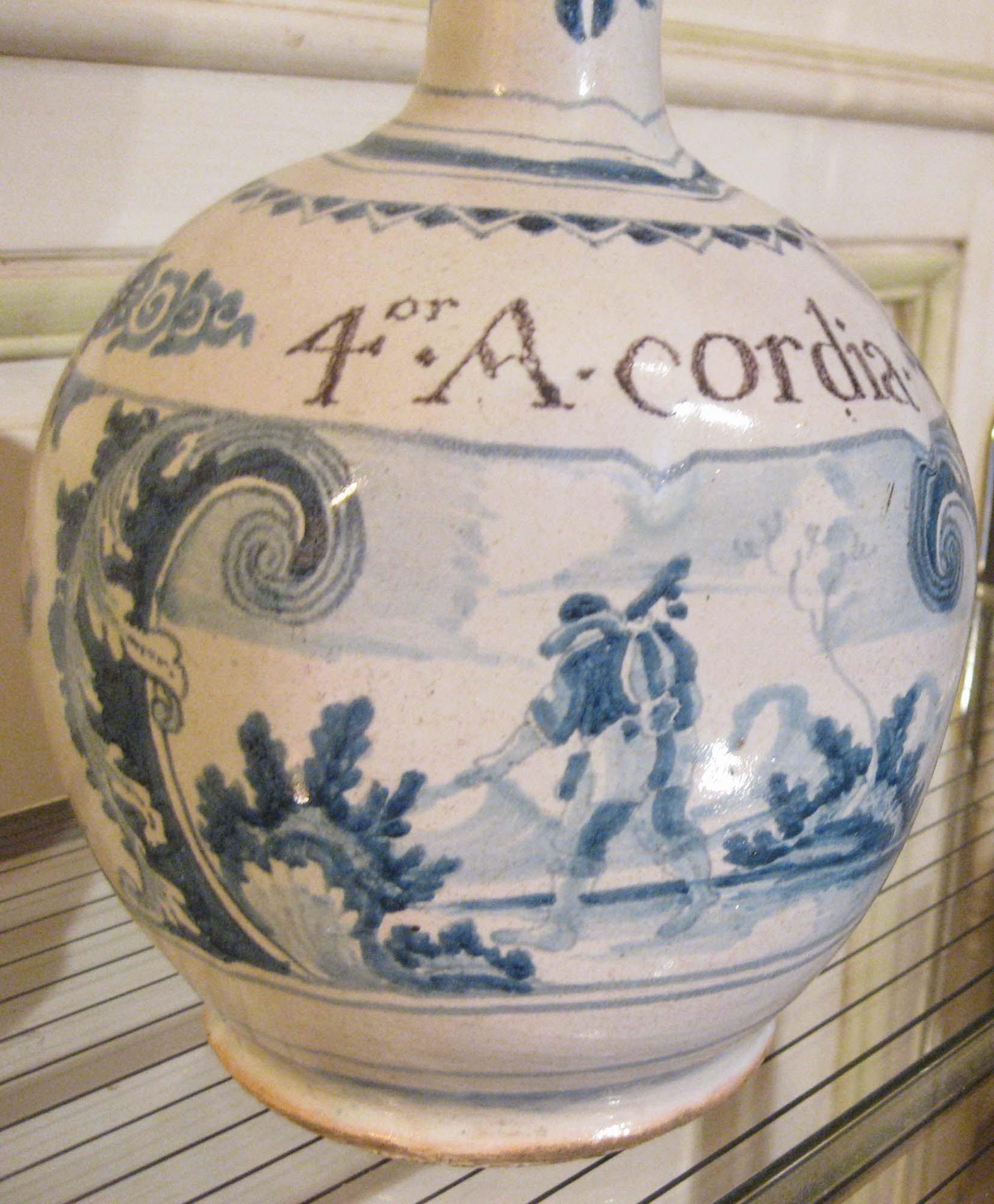 galerie-bosetti-antiquites Nevers 17ème gourde détail pèlerin