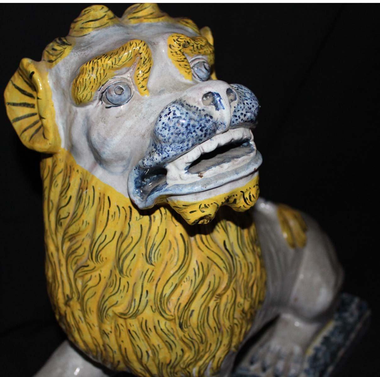galerie-bosetti-antiquites sculpture lion tête profil