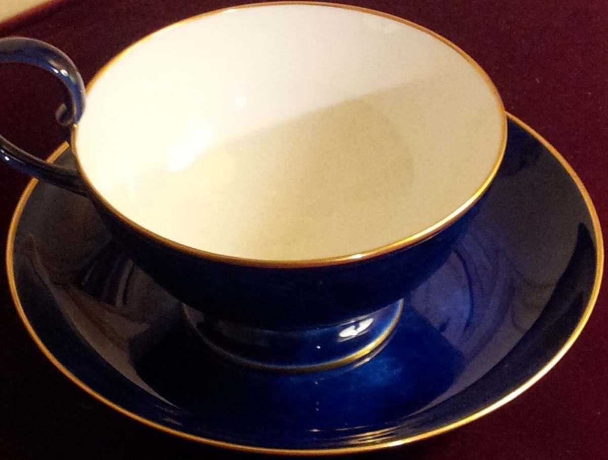 galerie-bosetti-antiquites sevres tasse chocolat détail tasse