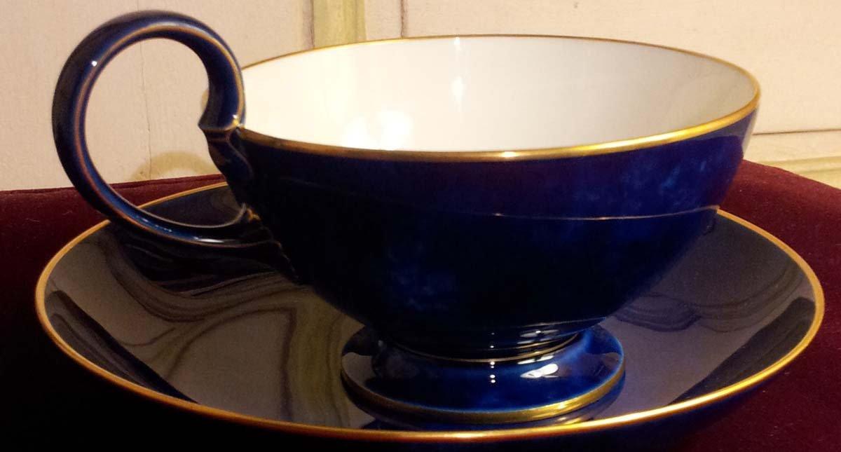 galerie-bosetti-antiquites sevres tasse chocolat interieur tasse
