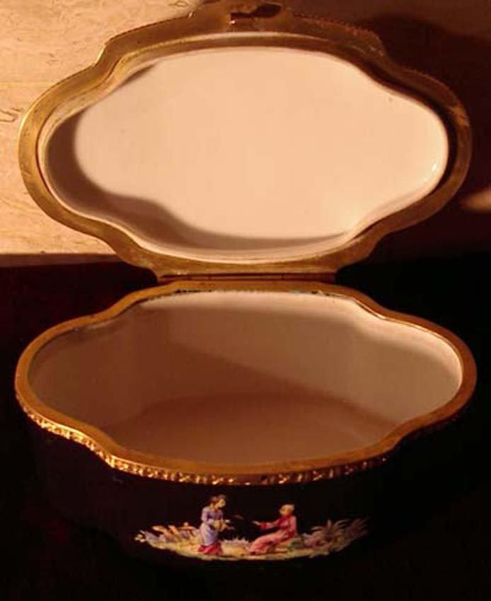 galerie-bosetti-antiquites boite porcelaine SAMSON ouverte