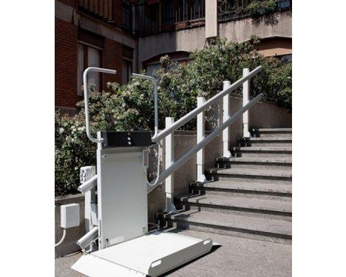 Montascala piattaforma per scale dritte