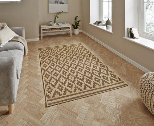 Beige color rhombus design carpet
