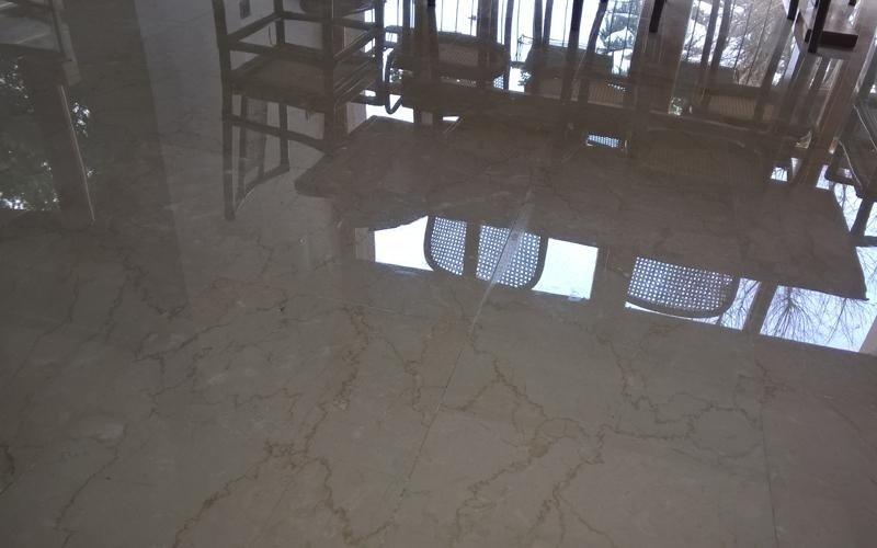 pavimento in marmo a specchio