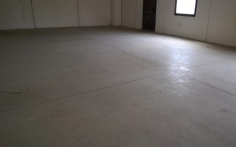 rimozione graffi pavimento