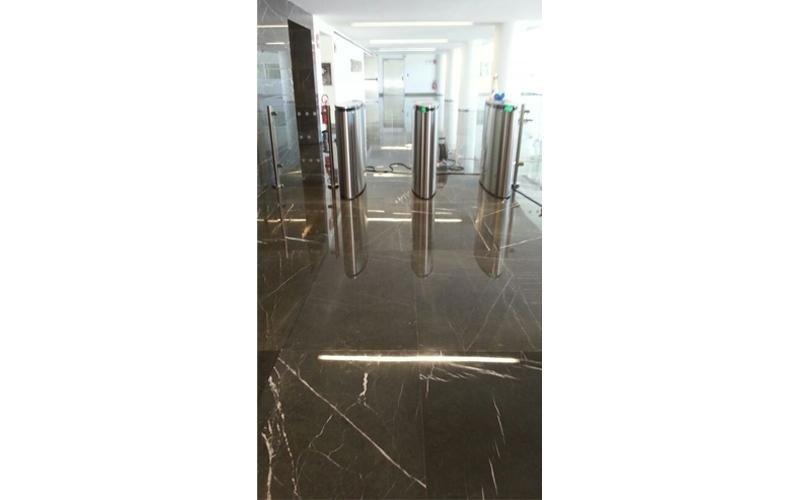 posa pavimento marmo