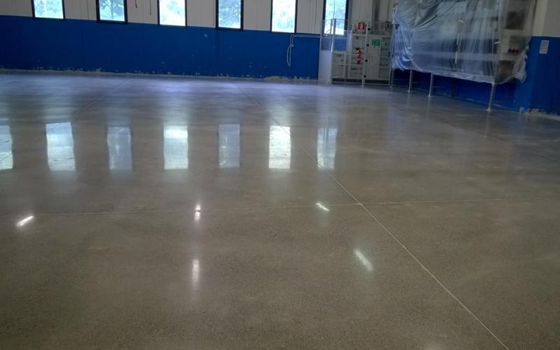 pavimento cemento magazzino