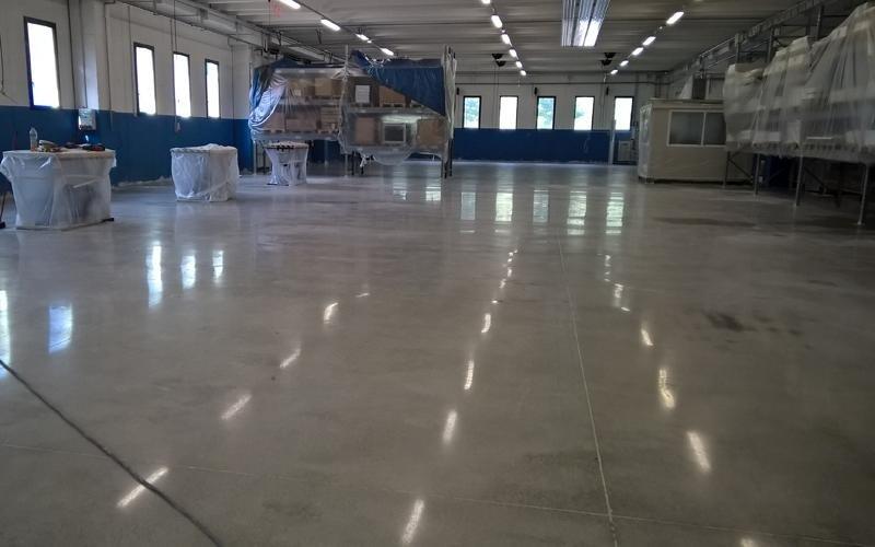 manutenzione pavimenti in cemento