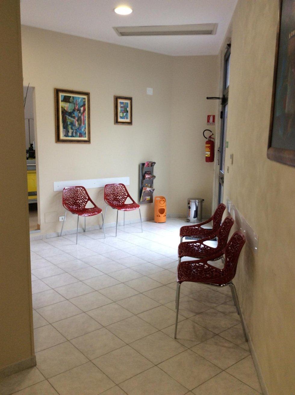 Sala attesa De Martino