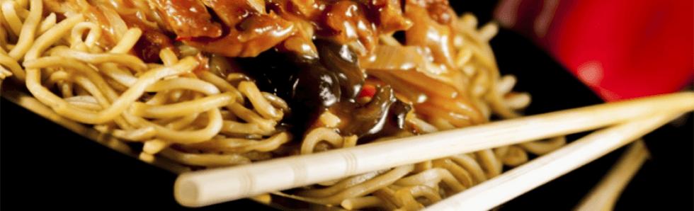 pasta di riso cinese con manzo