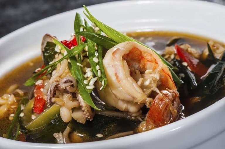 zuppa cinese con pesce