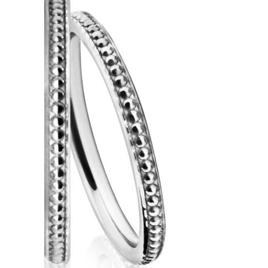 Beautiful Ladies' Wedding Ring