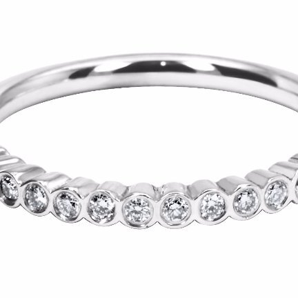 Exquisite Ladies' Wedding Ring for you