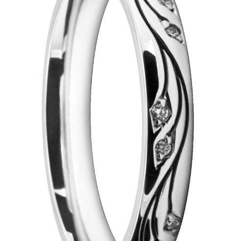 Intricate Ladies' Wedding Ring