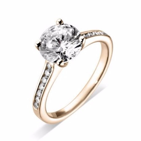 High-quality Solitaire Engagement Ring for couples