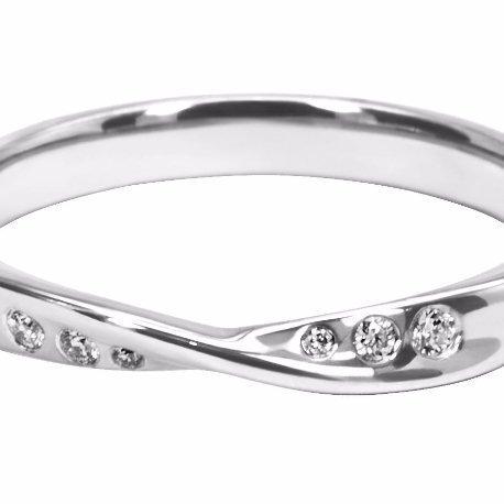 Meticulously designed Ladies' Wedding Ring