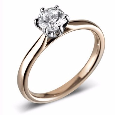 Stunning Solitaire Engagement Ring for her