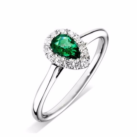 High-quality Halo Engagement Ring
