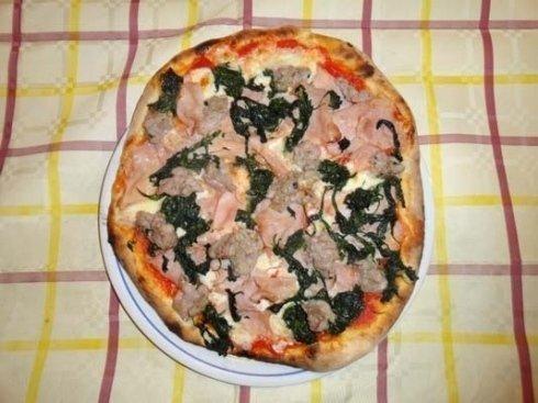 pizza spinaci e prosciutto