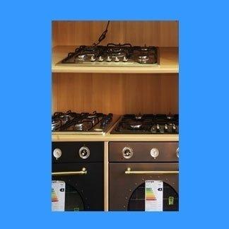 esposizione di forni da cucina