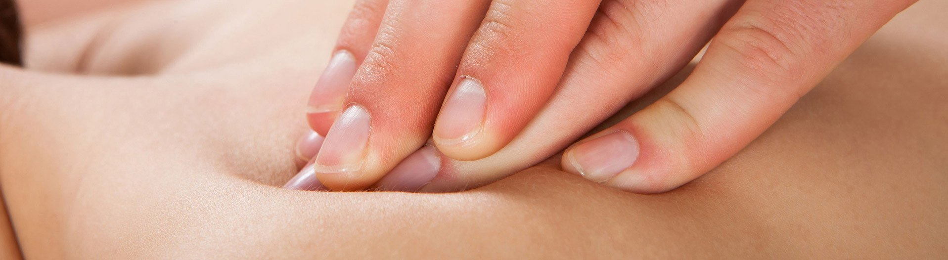 "<img src=""2_massage_copy.jpg""width=""1917"" height=""846"" alt=""Massage Therapy""/>"
