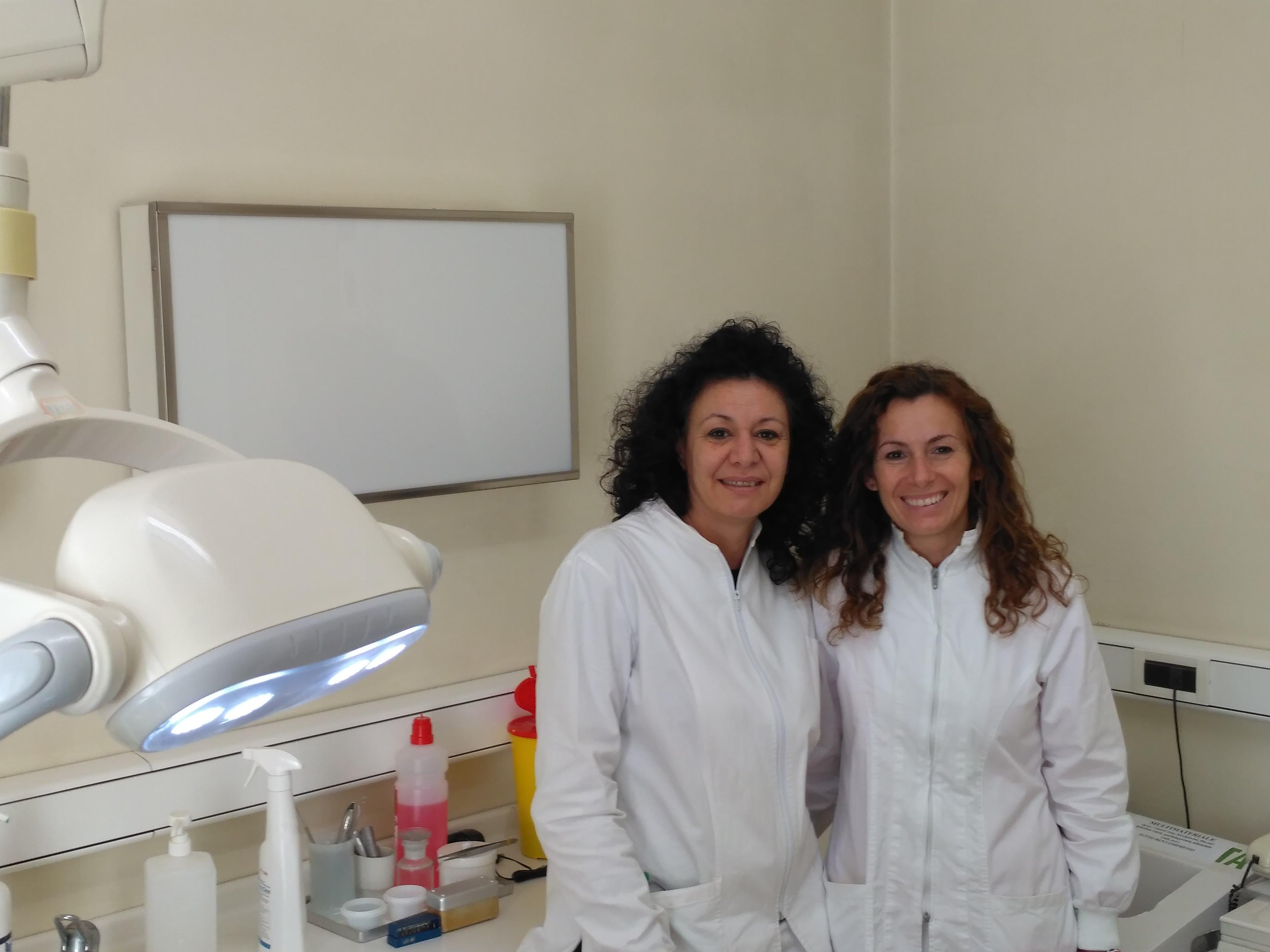 assistenti dentisti in ambulatorio