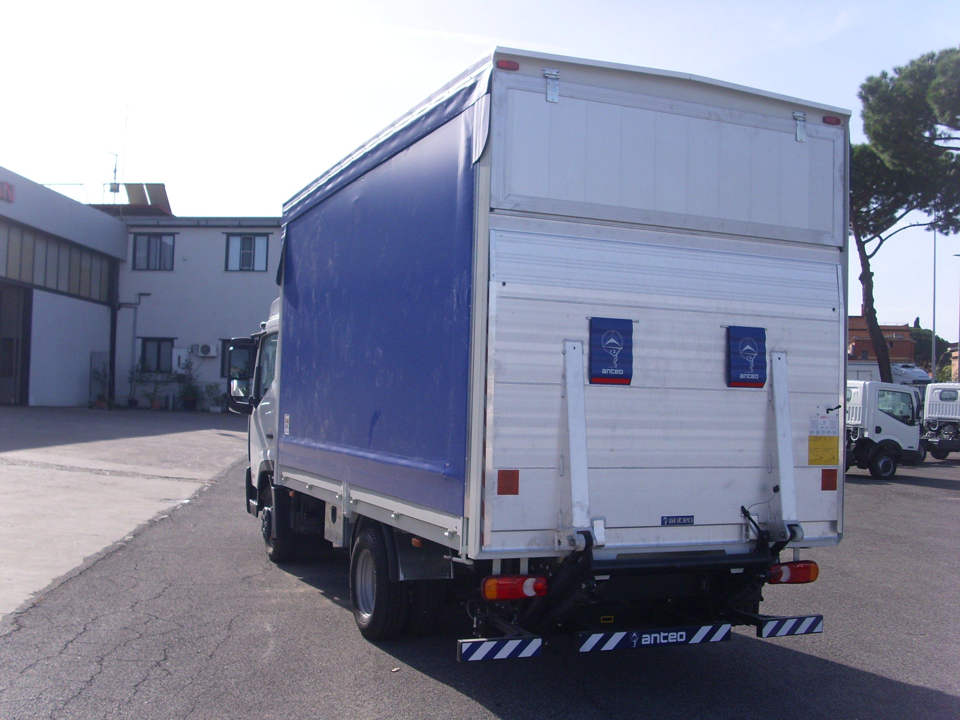 vista posteriore di un camion