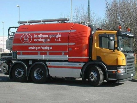 Mezzo da spurgo Scania