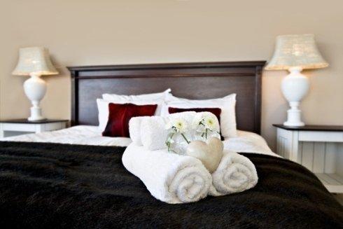 La struttura vi accoglie in comode e spaziose camere.