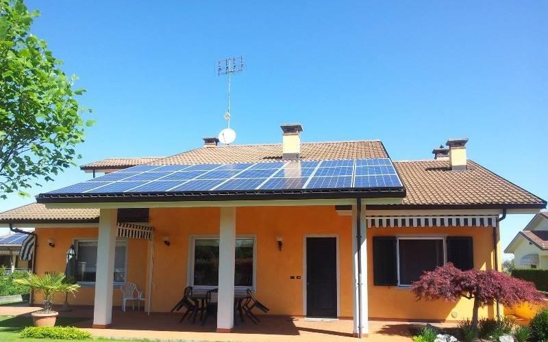 villa fotovoltaico