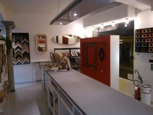 negozio cornici, vendita cornici per quadri, recupero cornici