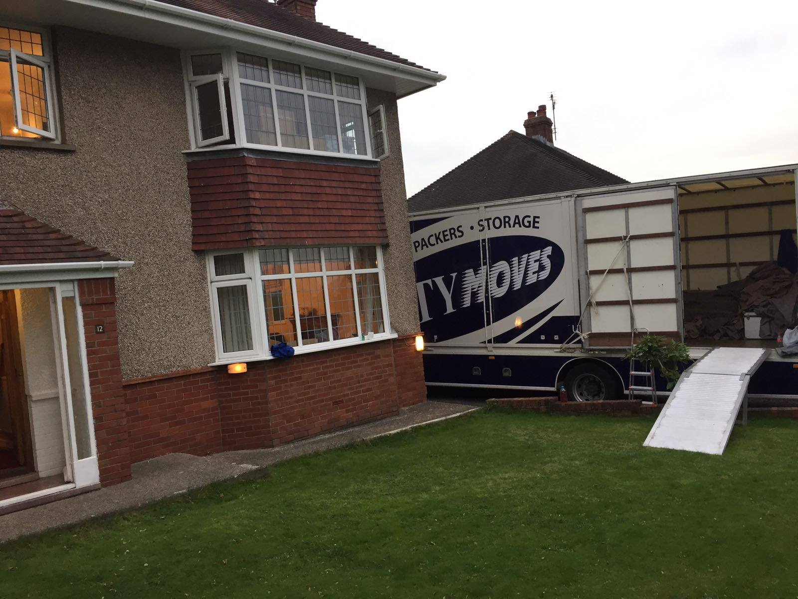 domestic removals in the UK