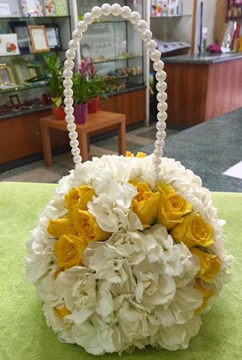 bouquet con manico in perle