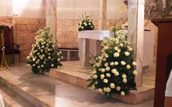 Allestimento chiesa per matrimonio