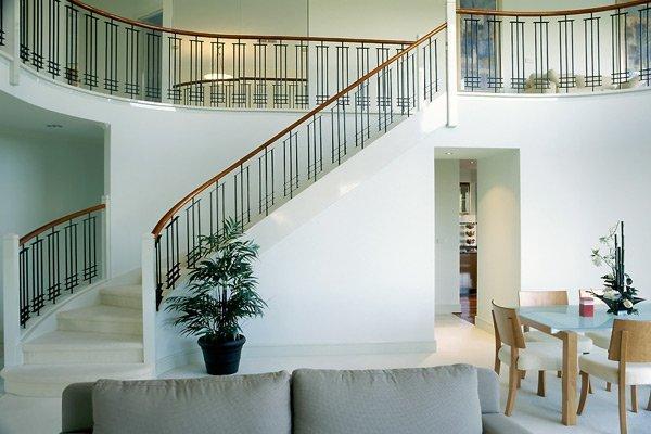 Grollo 102 staircase