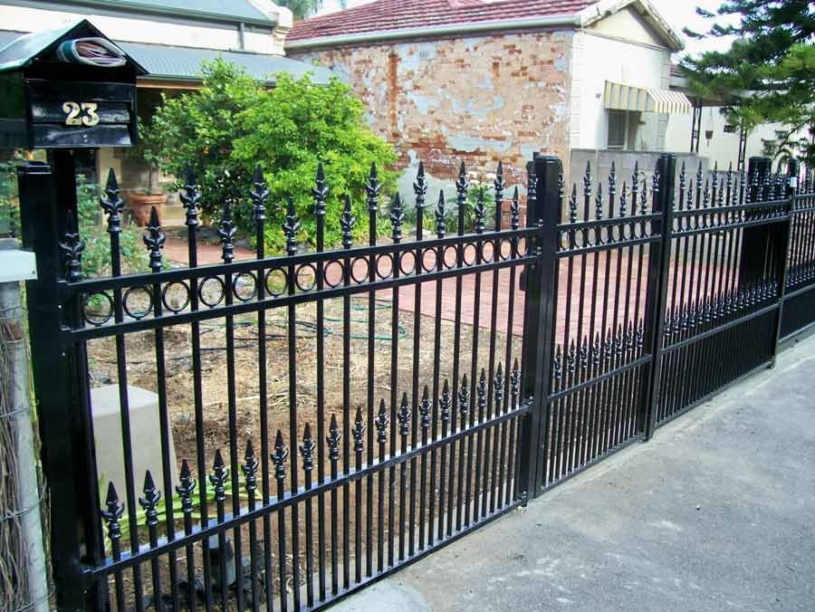 WESLEY DOUBLE FRONT FENCE