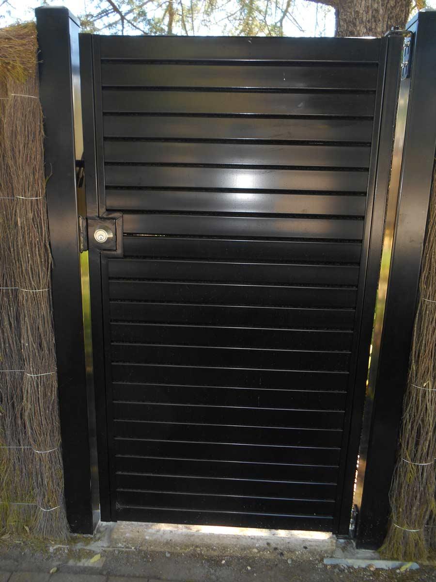 HORIZONTAL SLAT SINGLE GATE WITH DEADLOCK