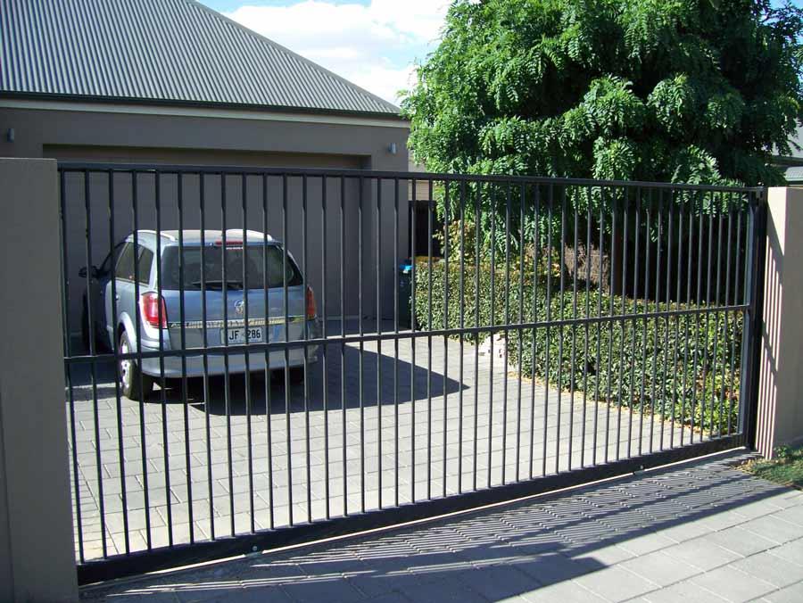 ALPHA DESIGN AUTO SLIDE GATE